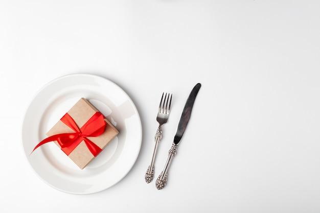 Elegantes gedeck und geschenk