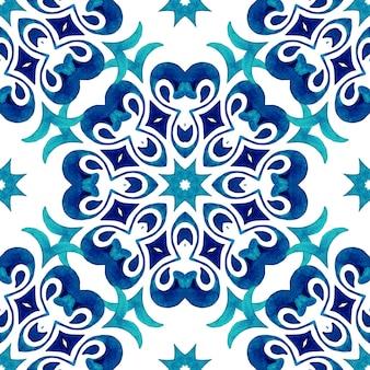 Elegantes mandala mit blume für stoff und tapeten im indischen stil arabeske persisches motiv