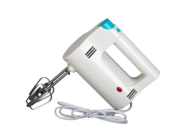 Elektrischer handmixer ist ein küchengerät zum mischen auf weißem hintergrund white