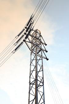 Elektrischer hochspannungsmast