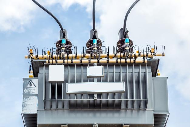 Elektrischer transformator