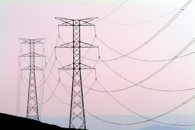 Elektrizitätskontrollturm