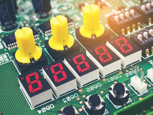 Elektronische high-tech-leiterplatte (pcb) mit mikrochips-prozessortechnologie