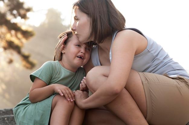 Eltern verbringen zeit mit ihrem kind