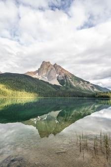 Emerald lake reflexion
