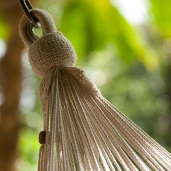 Endschnüre einer hängenden hängematte in costa rica