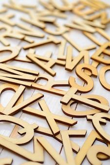 Englische holzbuchstaben