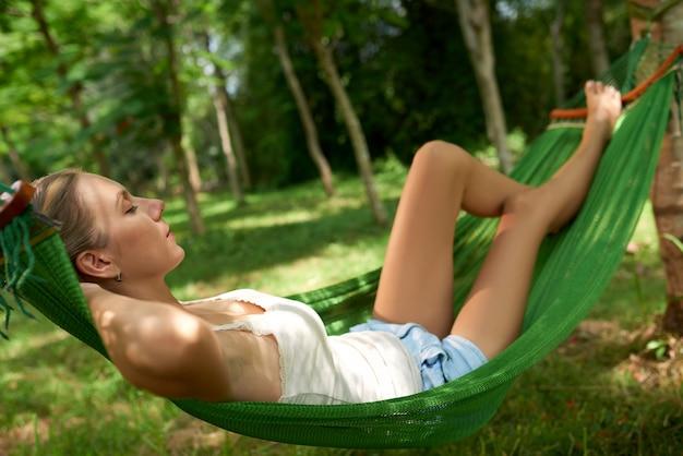 Entspannen in der hängematte