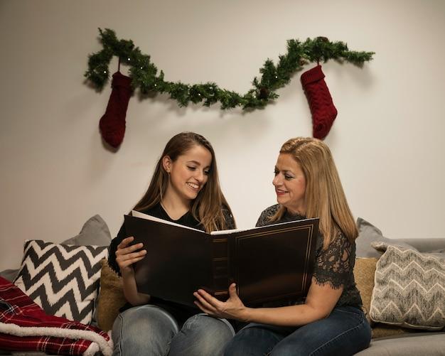 Entzückende familienzeit für weihnachten