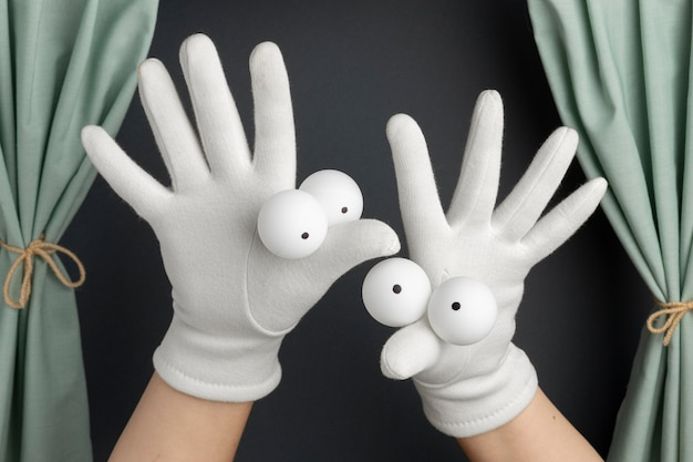 Entzückende handpuppenshow für kinder