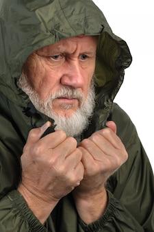 Erbärmlicher älterer mann