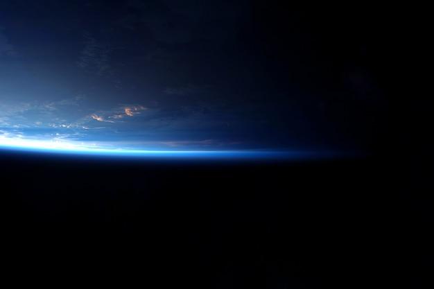 Erdatmosphäre aus dem weltraum elemente dieses bildes wurden von der nasa bereitgestellt. für jeden zweck.