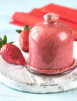 Erdbeer-chiasamen-pudding