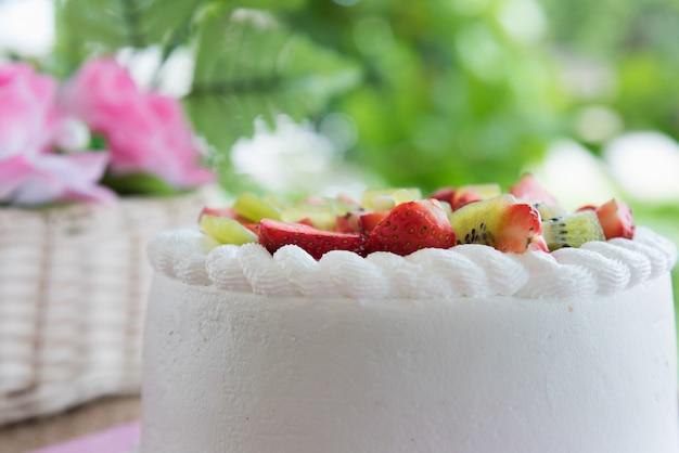 Erdbeer-kiwi-shortcake