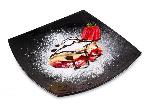Erdbeer-krepp mit schokolade