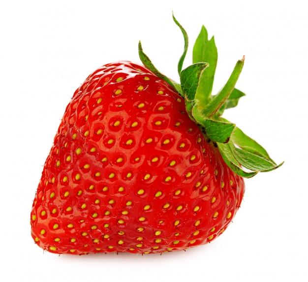Erdbeere isoliert.