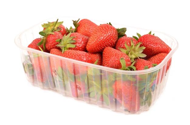 Erdbeeren auf einem weißen hintergrund