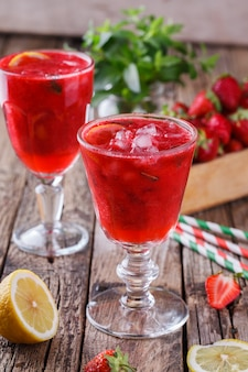 Erdbeergetränk sommer für partys.