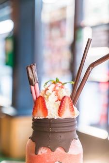 Erdbeersmoothies mit schokolade