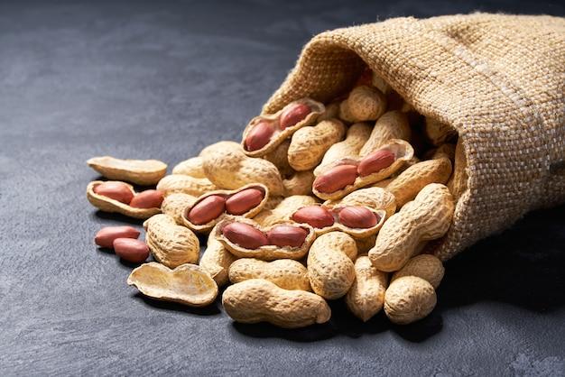 Erdnuss in der tasche