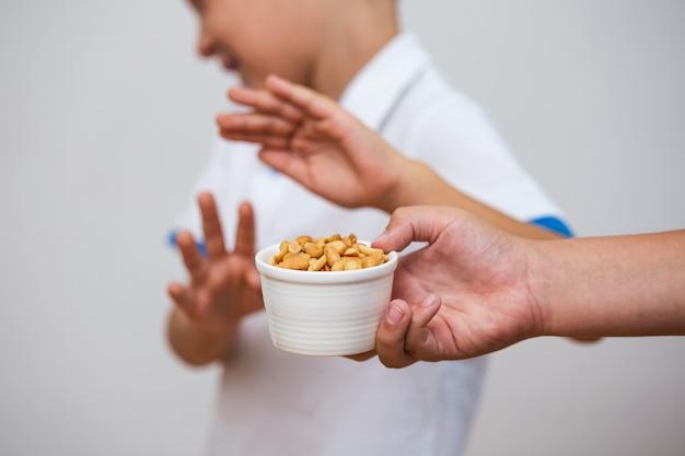 Erdnussnahrungsmittelallergiekonzept.