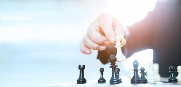 Erfolgreiche geschäftsstrategie, schachmattstrategie
