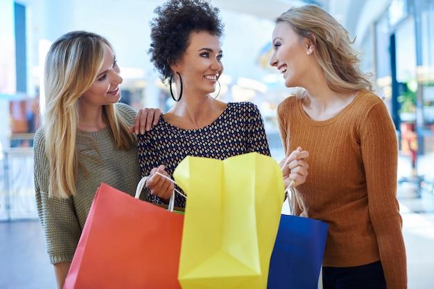 Erfolgreiche pirchase im einkaufszentrum