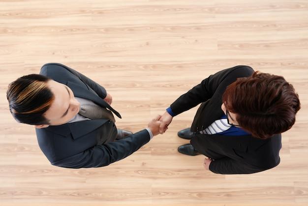 Erfolgreicher abschluss der verhandlungen