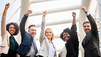 Erfolgreiches und glückliches Geschäftsteam