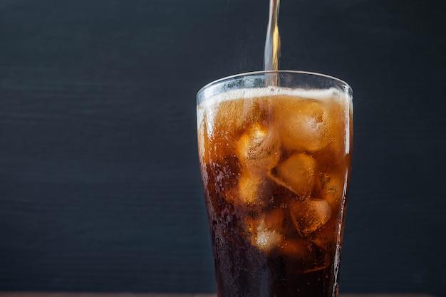 Erfrischendes kaltes getränk