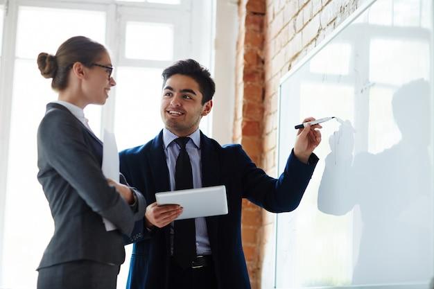 Erklären von daten auf dem whiteboard