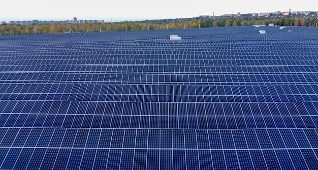 Erneuerbare energien und nachhaltige entwicklung photovoltaik-solarmodule