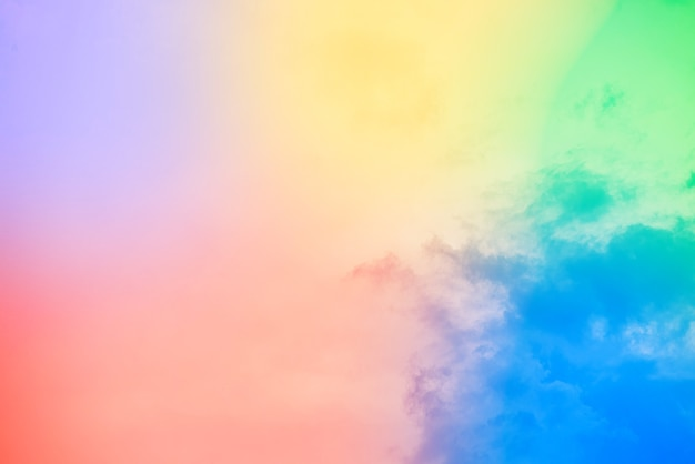 Erstaunlich schöner kunsthimmel mit bunten wolken