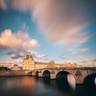 Erstaunliche aufnahme des tuileriengartens in paris, frankreich