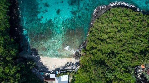 Erstaunlicher naturhintergrund der see-luftaufnahme