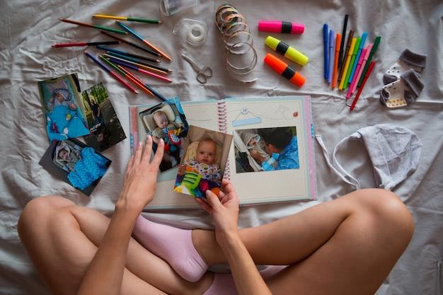 Erstellen eines fotobuchs für ein kind mit down-syndrom
