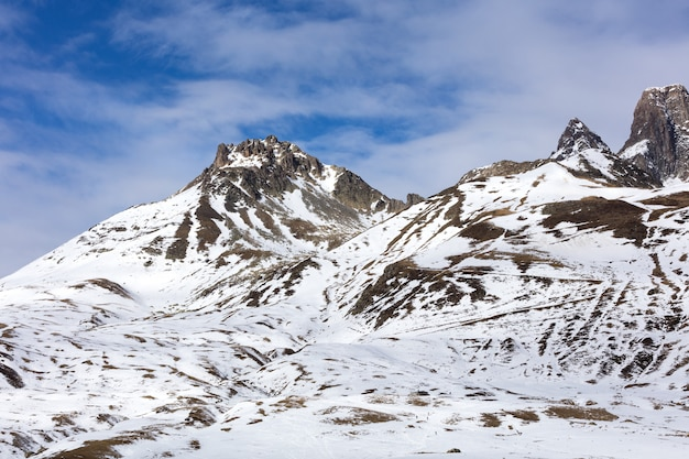 Erster schnee in den bergen