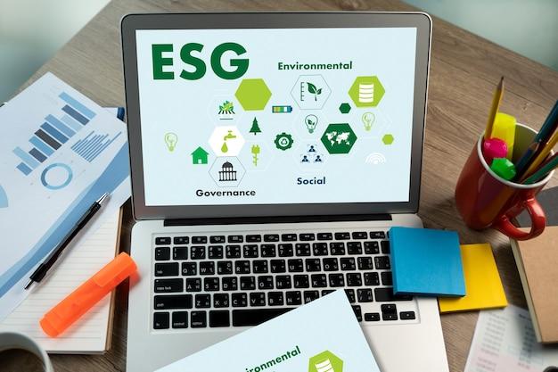 Esg environmental social and governance nachhaltig für geschäftsmann strategie esg