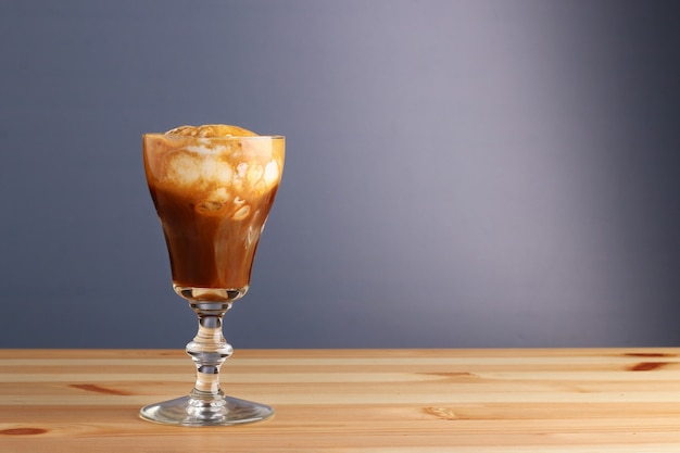 Espesso mit eis affogato kaffee