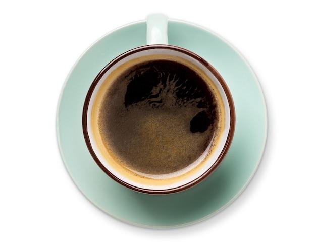Espresso oder americano, schwarze kaffeetasse draufsicht nahaufnahme lokalisiert. cafe und bar, barista kunstkonzept.