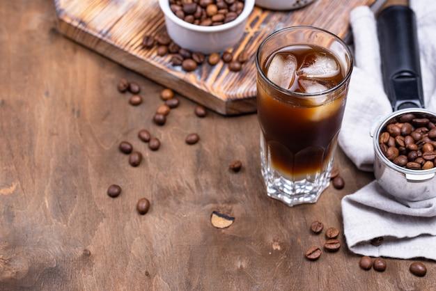 Espresso tonic, trendiges kaffeegetränk