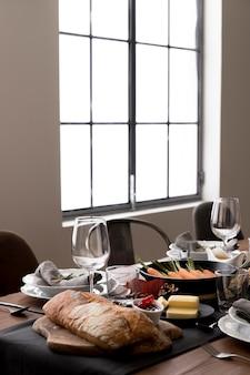 Essen auf dem tisch zum erntedankfest