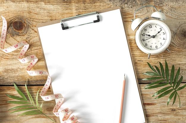 Essensplan. diät- und gewichtsverlustkonzept. von oben betrachten. flach liegen. speicherplatz kopieren