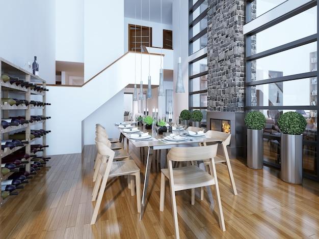 Esszimmer im modernen stil mit kamin und weinregal zu hause und serviert mit holztisch.