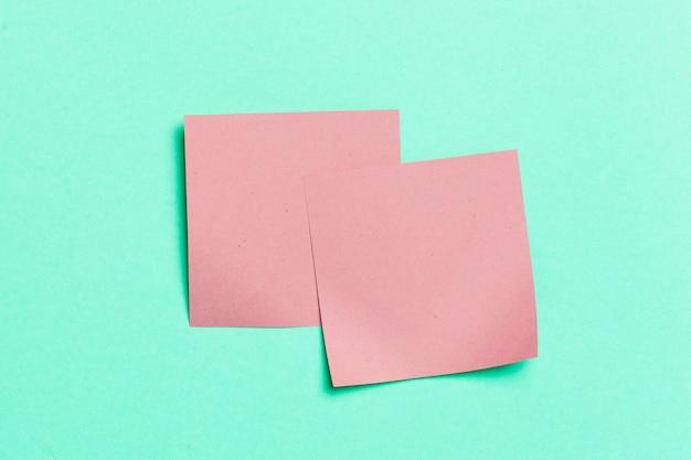 Etikette. papiersticker für die notizen
