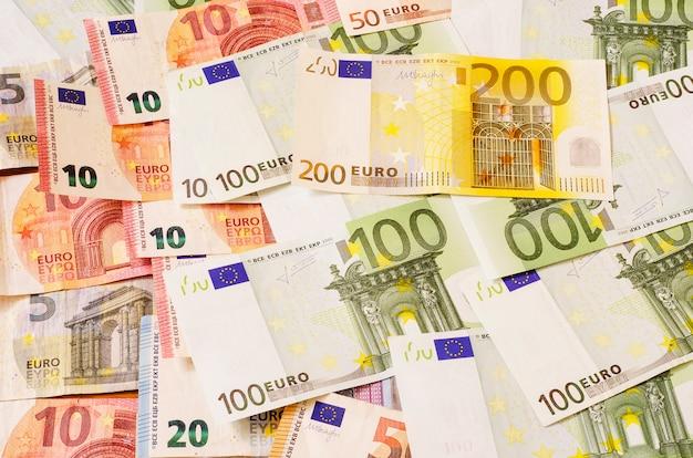 Euro-geld unterschiedlicher stückelung 3
