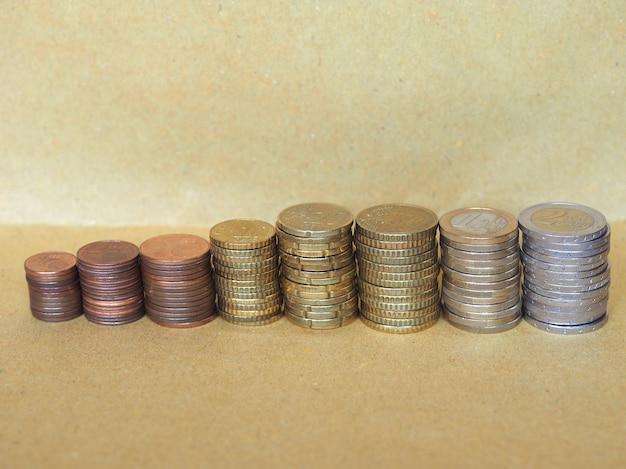 Euro-münzen stapeln