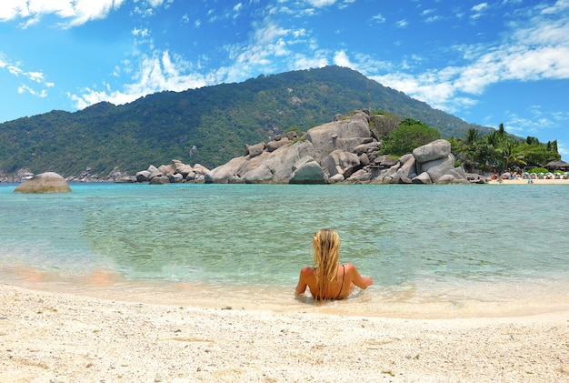 Europa dame tourist gegenüber amazing view point in nangyuan island.