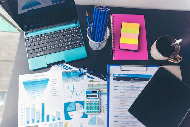 Excel-statistiktabelle geschäftsanalysediagrammstatistik mit diagramm- und tabellendiagrammfinanzdaten