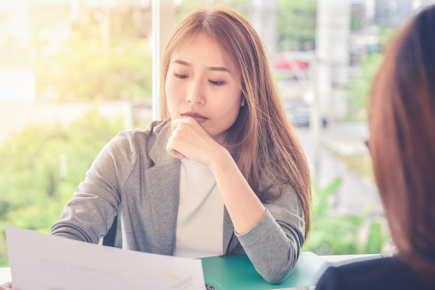 Executive management oder rekrutierung vertreter interviews bewerber für eine vakante position